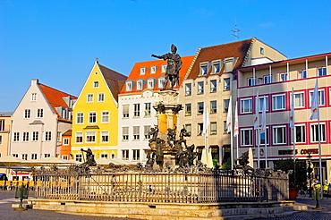 Augustusbrunnen, Augustus Fountain in Rathausplatz, Town Hall Square, Augsburg, Romantische Strasse, Romantic Road, Swabia, Bavaria, Germany.