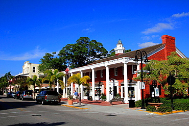 famous 3 rd street in naples florida usa.