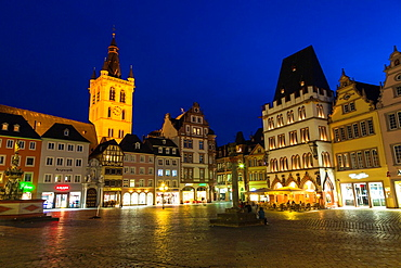 St. Gangolf church and market square in Trier (Treves) at night, Rhineland-Palatinate, Germany, Europe