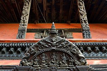 India, Uttar Pradesh, Varanasi, Lalita Ghat, Nepali temple (also called Kathwala temple).