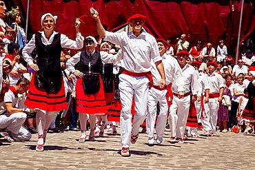 Baile de la Era, Era dancing,Puente la Reina, Gares. Navarre. Spain.