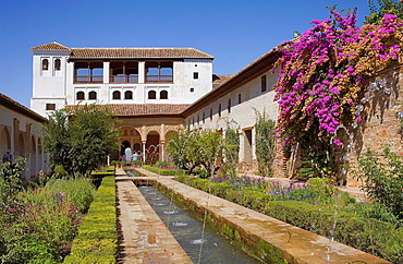 Patio de la Acequia, courtyard of irrigation ditch, El Generalife, La Alhambra,Granada, Andalusia.