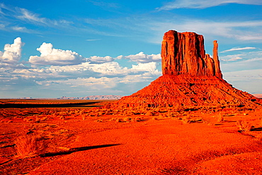 The Mittens. Monument Valley Tribal Park. Arizona, USA.