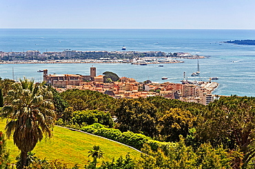 Europe, France, Alpes-Maritimes, Cannes. The old Town.