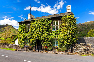 Brotherswater Inn, Dovedale valley, Lake District National Park, Cumbria, England, UK, Europe.