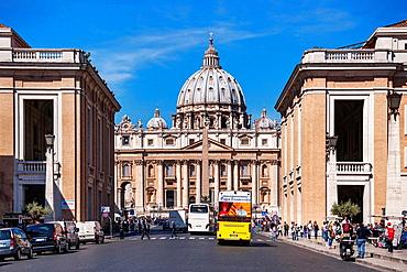 View to the dome of St. Peter's Basilica, Via della Conciliazione, Vatican City State, Rome, Lazio, Italy, Europe.