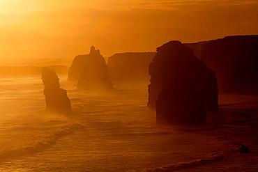 The Twelve Apostles, Twelve Apostles Marine National Park, Port Campbell National Park, Great Ocean Road, Victoria, Australia.