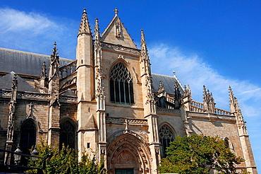 Saint Michel basilica of Bordeaux, Gironde, Aquitaine, France, Europe.