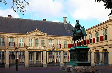 Netherlands, The Hague, Paleis Noordeinde, royal palace.