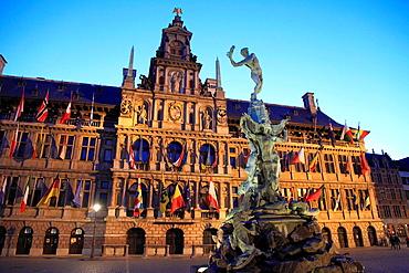 Belgium, Antwerp, Grote Markt, City Hall, Brabo Fountain.