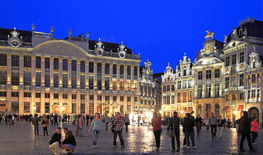 Belgium; Brussels; Grand Place, night, people.