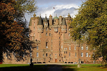 Glamis Castle, former royal hunting lodge, home of the Bowes-Lyon family, built in 15th-16th centuries, Angus, Scotland, UK