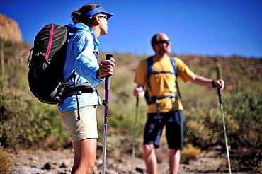 Hiking couple, Superstition mountains, Arizona, USA