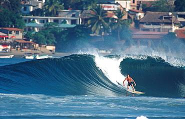 Classic surf in Puerto Escondido.