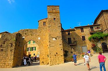 Montichiello, Pienza, Porta di Sant'Agata, Val d'Orcia, Orcia Valley, UNESCO world heritage site, Siena Province, Tuscany, Italy, Europe