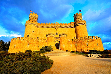The New Castle of Manzanares el Real, also known as Castle of the Mendoza, is a palace-fortress erected in the fifteenth century in the town of Manzanares el Real.