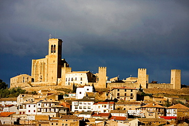 Cerco de Artajona, Navarre, Spain.