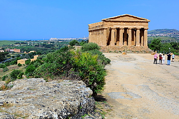 Temple of Concordia (430 BC), Valley of the Temples, Agrigento, Sicily, Italy.