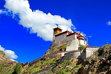 Yumbu Lakhang (Yungbulakang Palace), Lhoka (Shannan) Prefecture, Tibet, China.