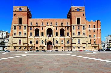 Law courts, Piazza Marina D' Italia, Taranto, Apulia, Italy.