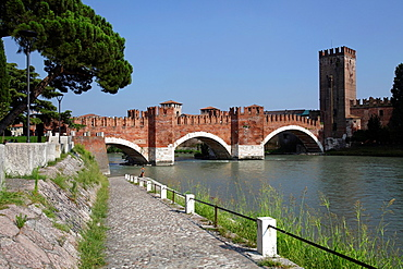 The scaliger Castelvecchio Bridge, Verona, Italy.
