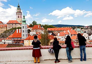 Tourist, Historic old town, UNESCO World Heritage Site, Cesky Krumlov, Czech Republic, Europe.