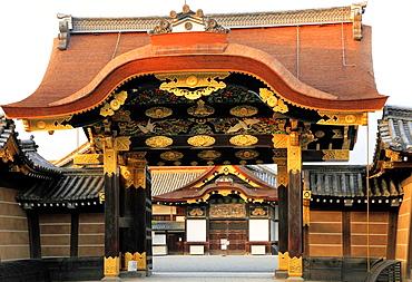 Japan, Kyoto, Nijo Castle, Karamon Gate, Ninomaru Palace,.