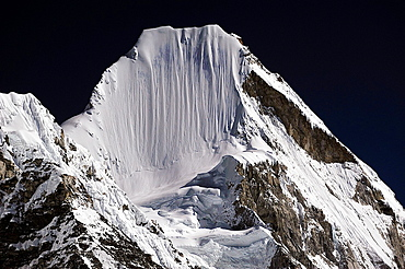 Lingtren Peak 6749m, Sagarmatha National Park, the Himalaya range, Khumbu area, Solukhumbu District, Sagarmatha Zone, Nepal