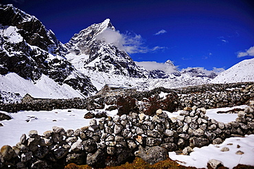 The Imja Khole valley, Sagarmatha National Park, the Himalaya range, Khumbu area, Solukhumbu District, Sagarmatha Zone, Nepal
