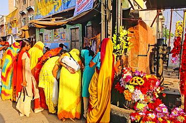 Women shopping, Bikaner, Rajasthan state, India