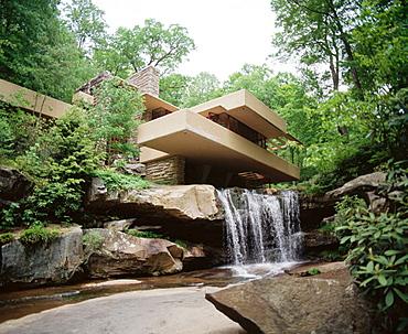 Fallingwater House (Kaufmann House), Frank Lloyd Wright, architect, Pennsylvania, USA
