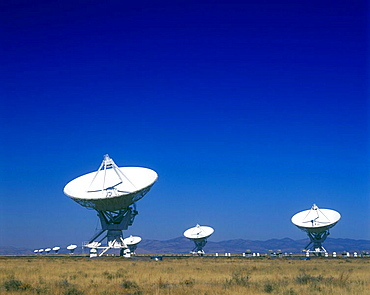 Radio telescope / satellite dishes: (vlart) san augustine plain, New mexico, USA.