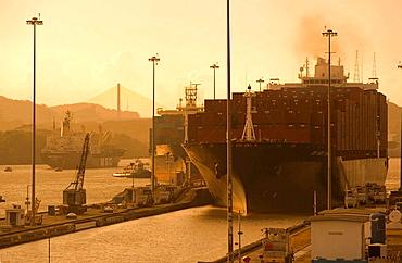 PANAMAX CONTAINER SHIP MIRAFLORES LOCKS PANAMA CANAL REPUBLIC OF PANAMA