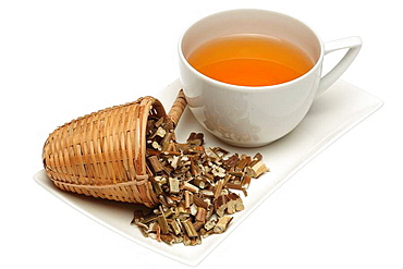 Krautertee aus chinesischer Melisse, Perilla, Schwarznessel, Shiso, Perilla frutescens, Su Geng / medicinal tea made of common perilla, Shiso, beefsteak plant, Perilla frutescens, Su Geng