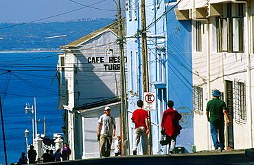 Templeman street in Cerro Concepcion, Valparaiso bay at the rear, Chile.