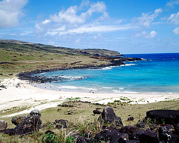 Anakena beach (used as base by Thor Heyerdahl's 1955 norwegian expedition): landing place of king Hota Matua, founder of Island civilization, Anakena, Easter Island, Chile