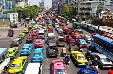 Late Morning Traffic on Th Rachadamri, Bangkok, Thailand