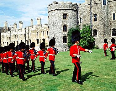 Guards, Windsor castle, Windsor, Berkshire, England, UK