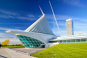 New wing of Milwaukee Art Museum by architect Santiago Calatrava, Milwaukee, Wisconsin, USA