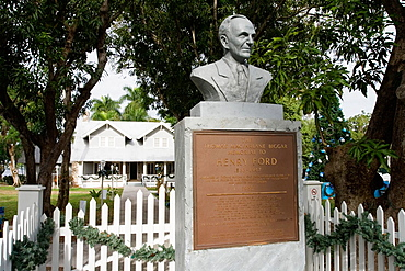 Winter Home of Automobile Pioneer Henry Ford, Bust of Henry Ford, Henry Ford Winter Estate, Fort Myers, Florida, USA.