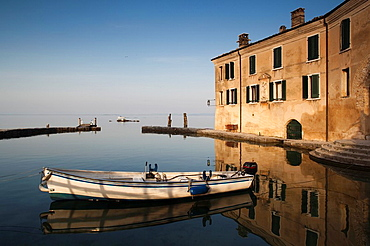 Italy, Veneto, Lake District, Lake Garda, Garda, Punta San Vigilio