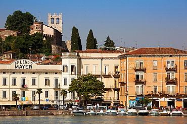 Italy, Lombardy, Lake District, Lake Garda, Desenzano del Garda, waterfront