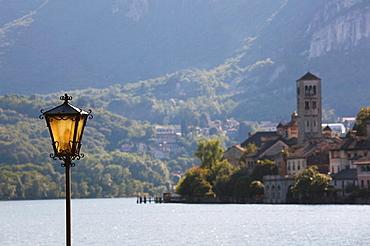 Italy, Piedmont, Lake Orta, Orta San Giulio, Isola San Giulio and lamp
