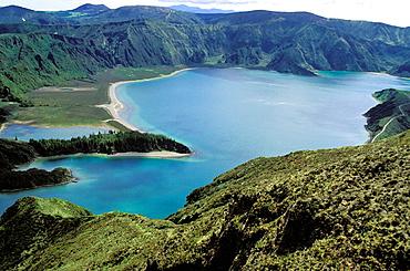 Lagoa do Fogo, Sv£o Miguel island, Azores, Portugal