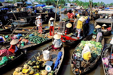 Vietnam, Mekong Delta, Can Tho, Floating market of Cai Rang.
