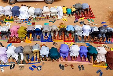 Niger, Agadez, Door of the desert, The Great Mosque build of mud, 16 century, Friday's prayer