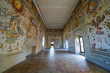 Frescoes in the juggler's salon of Torrechiara Castle, Langhirano, Parma, Italy, Europe