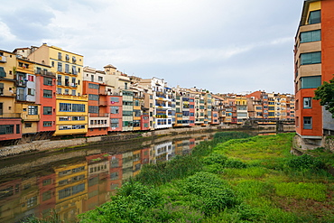 Houses on the River Onyar, Girona, Catalonia, Spain, Europe