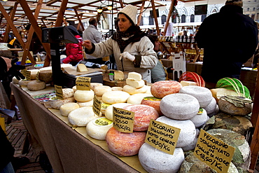 Market stalls selling typical pecorino cheese at Piazza del Campo, Siena, Tuscany, Italy, Europe