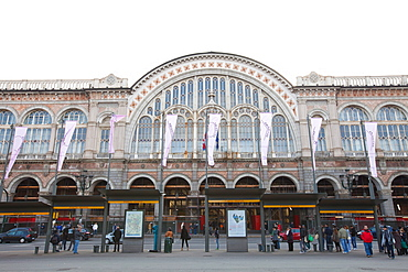 Torino Porta Nuova railway station, the main railway station of Turin, Piedmont, Italy, Europe